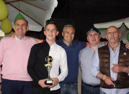 Francesco Palermo riceve il premio ………